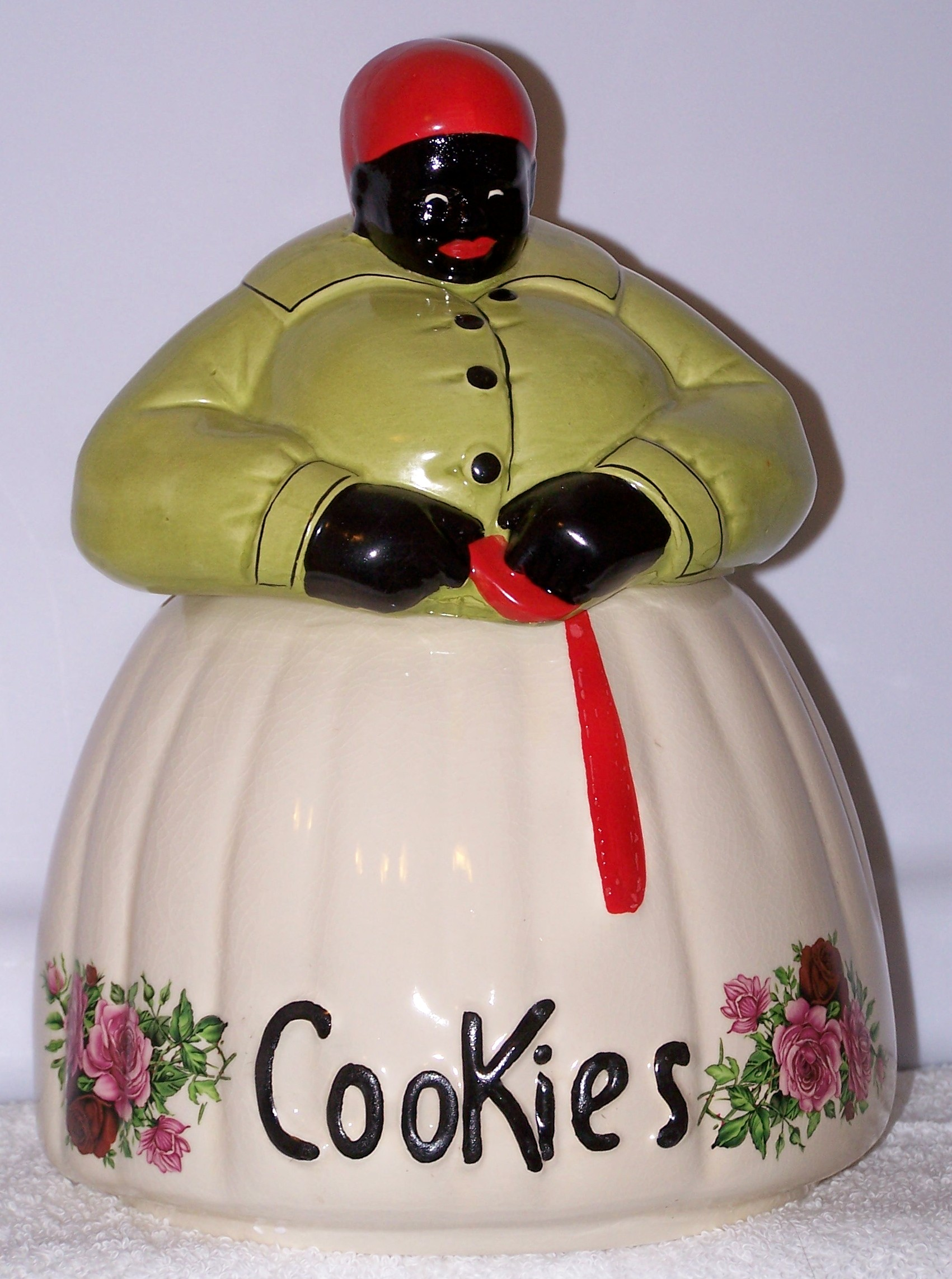 Collectable Cookie Jars And Salt Pepper Shakers
